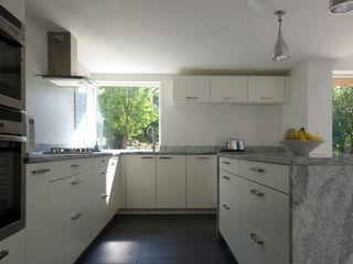 Cedar House Designscape Architects Ltd Cuisine moderne