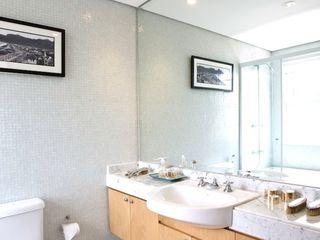Pereira Reade Interiores Modern bathroom
