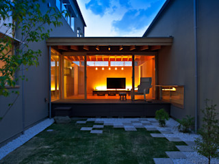 小野の家 有限会社ミサオケンチクラボ モダンな庭