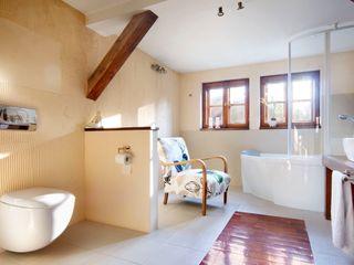 Studio Projektowe RoRO interior + design Kamar Mandi Gaya Country