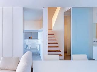 Casa GSX Estudi Agustí Costa Pasillos, vestíbulos y escaleras de estilo moderno