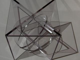 Cubist acrylate contravorm ВітальняСтолики та лотки