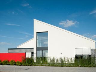 Neubau Einfamilienhaus mit Garage in Erkelenz Architekturbüro J. + J. Viethen Moderne Häuser