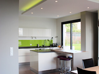 Atelier d'architecture Pilon & Georges Modern kitchen