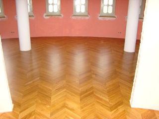 Profi Parkiet II Paredes y pisos de estilo colonial