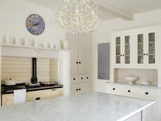 The Foxton Classic English Kitchen by deVOL deVOL Kitchens Кухня