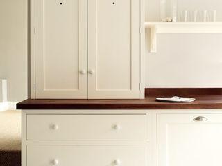 The Wymeswold Shaker Kitchen by deVOL deVOL Kitchens Кухня