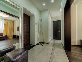 Platon Makedonsky Corridor, hallway & stairs Clothes hooks & stands