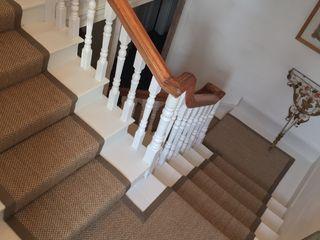 Stairway Projects Sisal & Seagrass Pasillos, vestíbulos y escaleras de estilo clásico