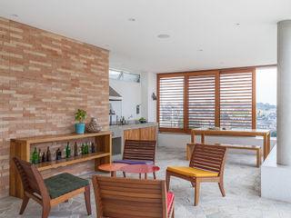 Nautilo Arquitetura & Gerenciamento Balcon, Veranda & Terrasse modernes