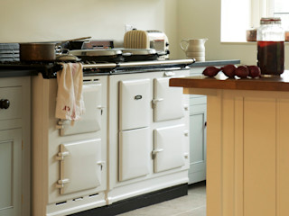 The Osgathorpe Classic English Kitchen by deVOL deVOL Kitchens Кухня