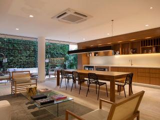 Gisele Taranto Arquitetura Modern Kitchen