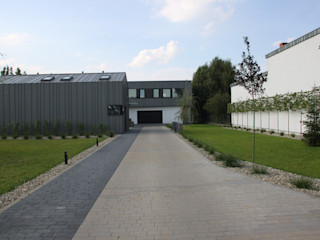 REFORM Konrad Grodziński Casas de estilo industrial