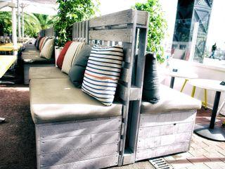 Chicken Bar Monchos Paletto's Furnature Balcones y terrazasMobiliario