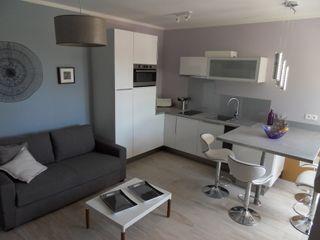 Rénovation appartement Idee O conseils Salle à manger moderne