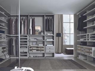 Linen Walk-in-wardrobes Lamco Design LTD Dressing roomWardrobes & drawers