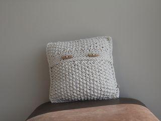 Poduszka dekoracyjna z lawendą. trzy manufaktury SypialniaAkcesoria i dekoracje