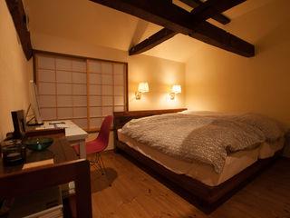 山梨の舎Ⅱ(民家再生) 有限会社中村建築事務所 和風の 寝室