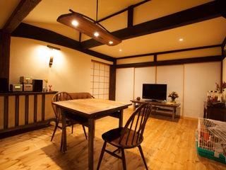 山梨の舎Ⅱ(民家再生) 有限会社中村建築事務所 和風デザインの 多目的室