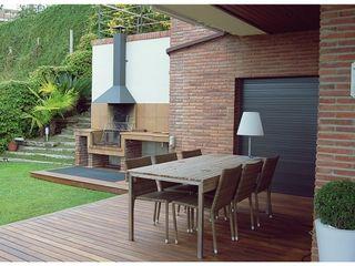 Beige Cardellach Interior & Events Jardines de estilo mediterráneo