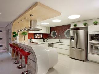 Retrofit Casa Swiss Park Campinas Designer de Interiores e Paisagista Iara Kílaris Cozinhas modernas