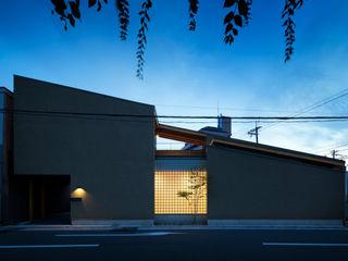 井上久実設計室 Eclectic style houses
