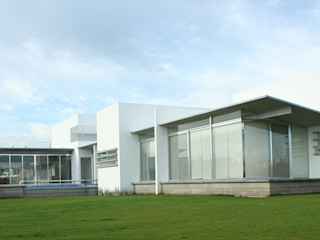 VG+VM Arquitectos Modern balcony, veranda & terrace