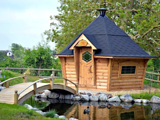 Barbecue cabins and water! Arctic Cabins Scandinavian style garden