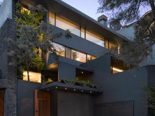 Ezequiel Farca Modern houses