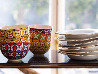 Maurine Tric Dining roomCrockery & glassware