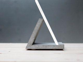 standtab | betonTABLETHALTER betonIDEE Geschäftsräume & Stores