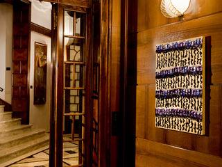VILLA ANNI '30 Studio Architettura Carlo Ceresoli Ingresso, Corridoio & ScaleAccessori & Decorazioni
