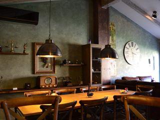 Casa Rústica en Ciudad Real Canexel Salones de estilo industrial