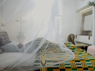 Peponi House - Back Door to Africa STUDIO [D] TALE Tropical style bedroom