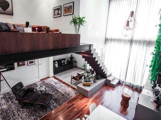 SP Estudio Modern corridor, hallway & stairs