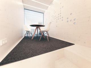 Mensch + Raum Interior Design & Möbel Modern offices & stores