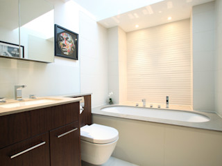 Fulham House by Peek Architecture. Alex Maguire Photography Minimalist bathroom
