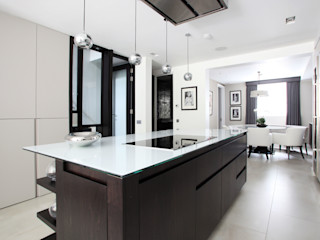 Fulham House by Peek Architecture. Alex Maguire Photography Modern style kitchen