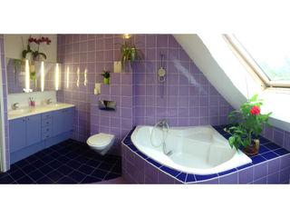 ANA VAJNOVSZKI ARCHITECTE Phòng tắm phong cách chiết trung