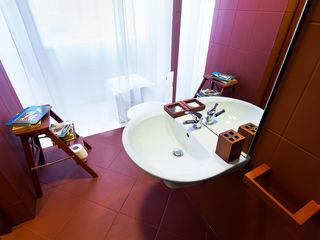 musk collective design Minimalist bathroom