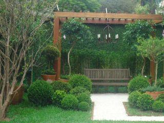 Línea Paisagismo.Claudia Muñoz Classic style gardens