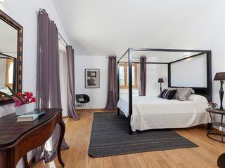 felip polar BedroomBedside tables