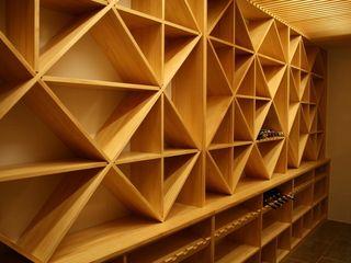 Estanterías para cava de vinos Adrados taller de ebanistería Bodegas de estilo moderno