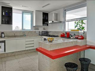 Cassio Gontijo Arquitetura e Decoração Modern Kitchen