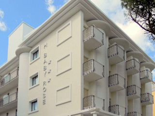 Restyling Hotel Baby GHINELLI ARCHITETTURA Hotel in stile eclettico