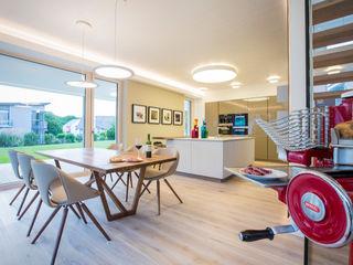 ARKITURA GmbH Столовая комната в стиле модерн