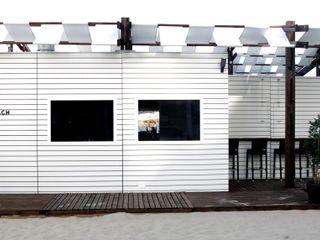 Viroa ǀ Arquitectura – Interiorismo – Obras Modern style balcony, porch & terrace