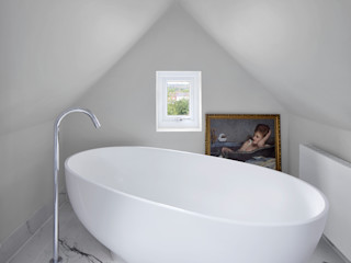Creighton Avenue Andrew Mulroy Architects Modern style bathrooms