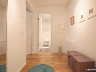 Musterwohnung Neubau Ein-Zimmer-Appartement raumwerte Home Staging Moderner Flur, Diele & Treppenhaus