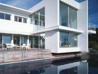 CASA EN LLAVANERAS. BARCELONA SOLER-MORATO ARQUITECTES SLP Casas de estilo mediterráneo